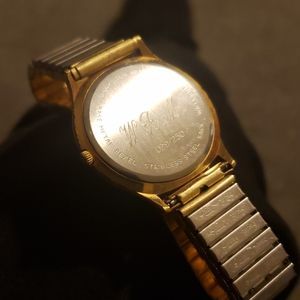 Hamilton Accessories - Vintage Hamilton 029/250 Gold Swiss Made Watch